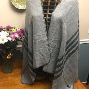New without tags reversible wrap from B.B. Dakota